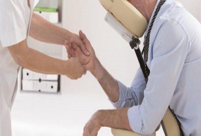 Les bienfaits d'un massage au bureau