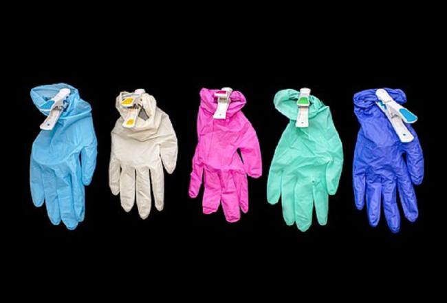 Comment choisir un gant jetable